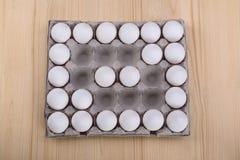 Диагональ белых яичек цыпленка Стоковое Изображение