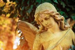 Диаграмма ангела в золотом зареве Символ влюбленности, invisib Стоковые Фотографии RF