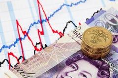 Диаграмма дела и деньги наличных денег стоковые фотографии rf
