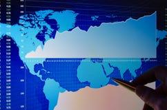 Диаграмма фондовой биржи на мониторе Стоковое Изображение RF