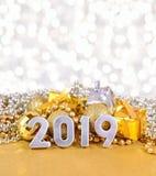 диаграммы 2019 год серебряные на предпосылке decorati рождества стоковые изображения rf