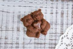 Диаграммы и mediants шоколада романтичные с гайками Стоковое Изображение