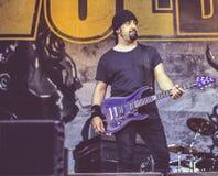 Диапазон 2016 в реальном маштабе времени тяжелого метала концерта Volbeat стоковые фотографии rf