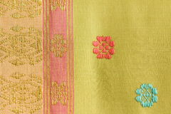Диапазон и шелк картины флоры тайский Стоковые Изображения