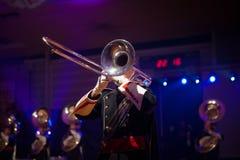 Диапазон музыки играя живую музыку во время представления Стоковое Изображение RF