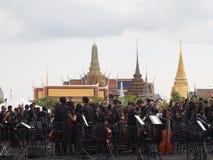 Диапазон оркестра перед emple изумрудного Будды Стоковое фото RF