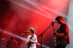 Диапазон Kooks выполняет на фестивале Dcode Стоковое фото RF