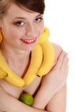 Диета Девушка с ожерельем и серьгами плодоовощ Стоковые Изображения