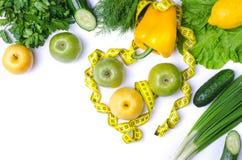 Диета, фрукты и овощи изолированные на белизне, с космосом экземпляра Стоковая Фотография
