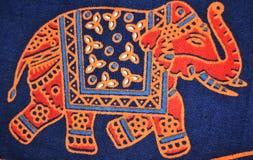 Дизайнерский слон на одежде Стоковое Фото