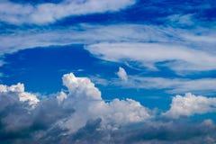 Дизайн, в небе облака Стоковое Изображение RF