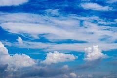 Дизайн, в небе облака Стоковая Фотография