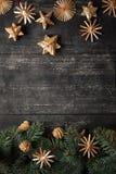 Дизайн границы рождества на деревянной предпосылке Стоковое Изображение RF