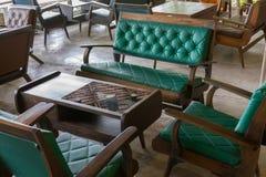 Дизайн интерьера античной мебели софы крытый Стоковая Фотография