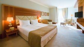 Дизайн интерьера Большая современная спальня Стоковая Фотография