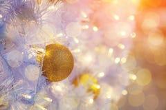 Дизайн интерьера комнаты рождества, дерево Xmas украшенное Pr светов Стоковое Фото
