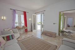Дизайн интерьера комнаты роскошной квартиры живущей Стоковое Изображение