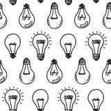 Дизайн картины электрической лампочки лампы нарисованный рукой безшовный белизна изолированная шариками светлая Стоковые Фото