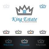 Дизайн логотипа вектора короля Имущества, недвижимости с домом и экологичность формируют, изолированный на белой предпосылке Стоковое Изображение RF