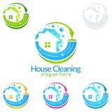 Дизайн логотипа вектора чистки дома, Eco дружелюбное при сияющая концепция брызга изолированная на белой предпосылке Стоковое Изображение