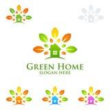 Дизайн логотипа зеленые домашние логотип, вектор недвижимости с домом, лист и экологичность формируют Стоковые Фотографии RF