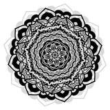 Дизайн мандалы цветка плана индийский Мандала с цветочными узорами на белой предпосылке Стоковые Изображения RF