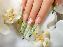 Дизайн ногтя искусства флористический Стоковая Фотография