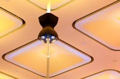 Дизайн потолочного освещения стоковые фотографии rf