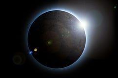 Дизайн солнечного затмения на черном космосе предпосылки Стоковые Изображения RF