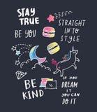 Дизайн футболки с цитатами и заплатами иллюстрация штока
