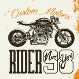 Дизайн футболки всадника мотоцикла Иллюстрация штока