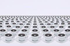 Диктор в чашке в студии стоковое изображение rf