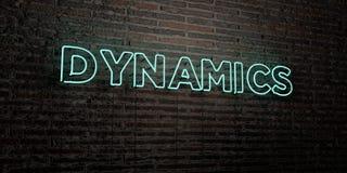 ДИНАМИКА - реалистическая неоновая вывеска на предпосылке кирпичной стены - представленное 3D изображение неизрасходованного запа иллюстрация штока