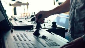 Динамическое располагая оборудование корабля моста operationg офицера сосуда видеоматериал