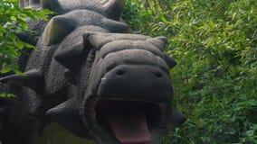 Динозавры в парке видеоматериал