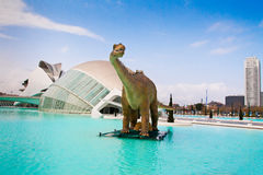 Динозавр на городе искусств и наук Валенсии Испании Стоковая Фотография RF