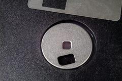 3 5 ' дискет Сломленная несущая данных к старым компьютерам на isolat Стоковое Фото