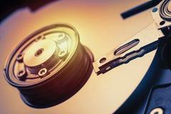 Дисковод жесткого диска шпинделя и плиты открытый Съемка макроса Стоковое Фото