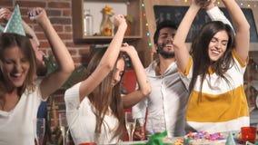 Диско на вечеринке по случаю дня рождения сток-видео