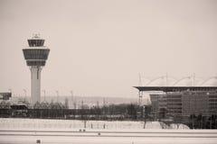 Диспетчерская вышка на авиапорте Мюнхена Стоковые Фотографии RF