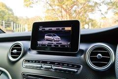 Дисплей 2018 приборной панели V-класса Мерседес-Benz стоковое изображение rf
