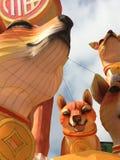 Дисплей фонарика семьи собак на китайский Новый Год стоковые фотографии rf