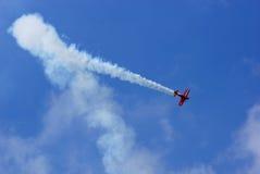 Дисплей летая и пилотажная выставка группы Zelazny в Malopolski Piknik Lotniczy (фестивале) воздуха, Кракове Стоковые Изображения
