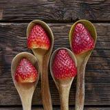 Дисплей красных клубник Стоковое Фото