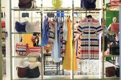 Дисплей магазина одежды Стоковые Изображения RF