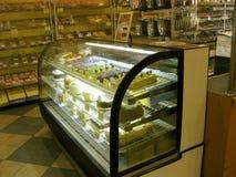 Дисплей торта, Goldilocks, западное Ковина, Калифорния, США Стоковые Фото