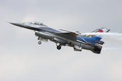 Дисплей F-16 бельгийской военновоздушной силы сольный Стоковые Фотографии RF