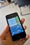 Дисплей smartphone диаграммы запаса рынка цифровой стоковое фото rf