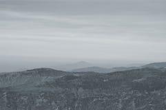 Дистантный взгляд мистических Гималаев от холма тигра в Darjeeling Стоковые Изображения RF
