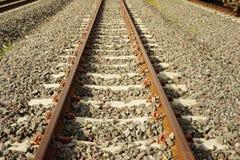 Длина поезда станции железнодорожного пути стоковое фото